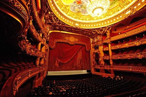 Palais_Garnier_auditorium_and_stage